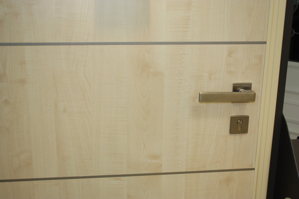 graute aluminium wohnungseingangst r. Black Bedroom Furniture Sets. Home Design Ideas